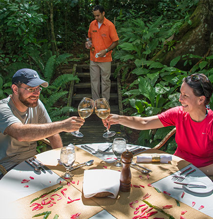 Enjoy a memorable meal in the middle of the rainforest of Costa Rica